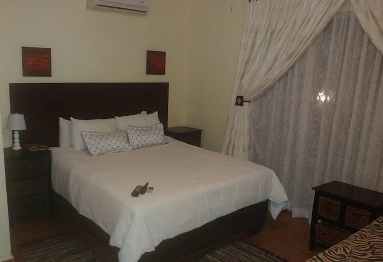 Sharon's bed and breakfast, Moses Kotane, Classic Double or Twin Room, Guest Room