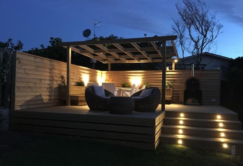 Villa Ika  , Taupo, Casa, 5 habitaciones, 2 baños, vista al lago, Terraza o patio