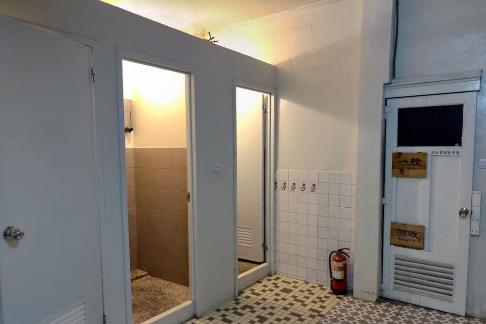 Keturvietis kambarys, Kelios lovos, Nerūkantiesiems - Vonios kambarys