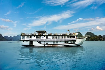 Picture of La Fiesta Cruises in Halong
