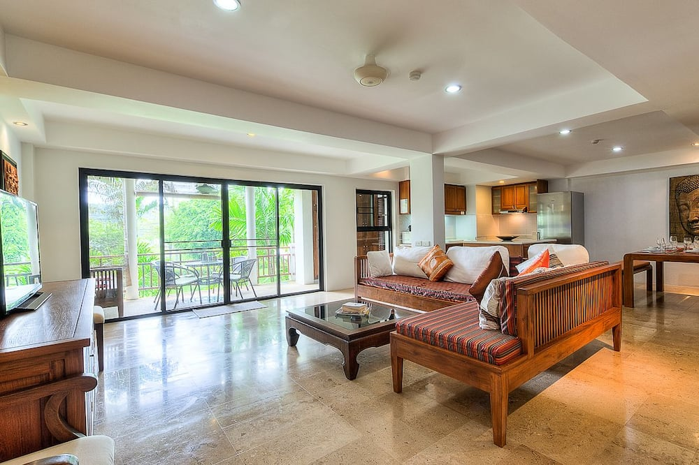 2 Bedrooms Apartment (#631 - A202) - Obývačka