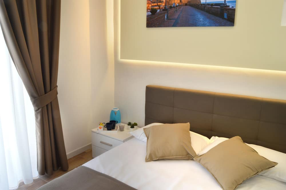 Basic Room, 1 Queen Bed (1) - Guest Room