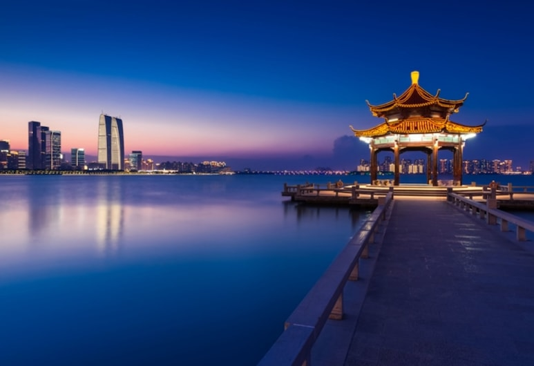 GYA Hotel Jin Ji Lake Oriental Gate, Sudžou, Ežeras