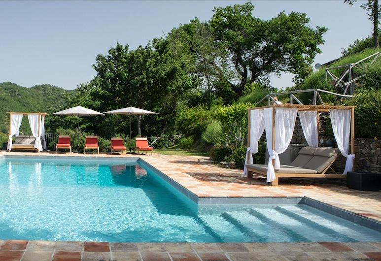 5 Bedroom Holiday Home in Stunning Setting, Pietralunga, Kuća, Više kreveta, Bazen