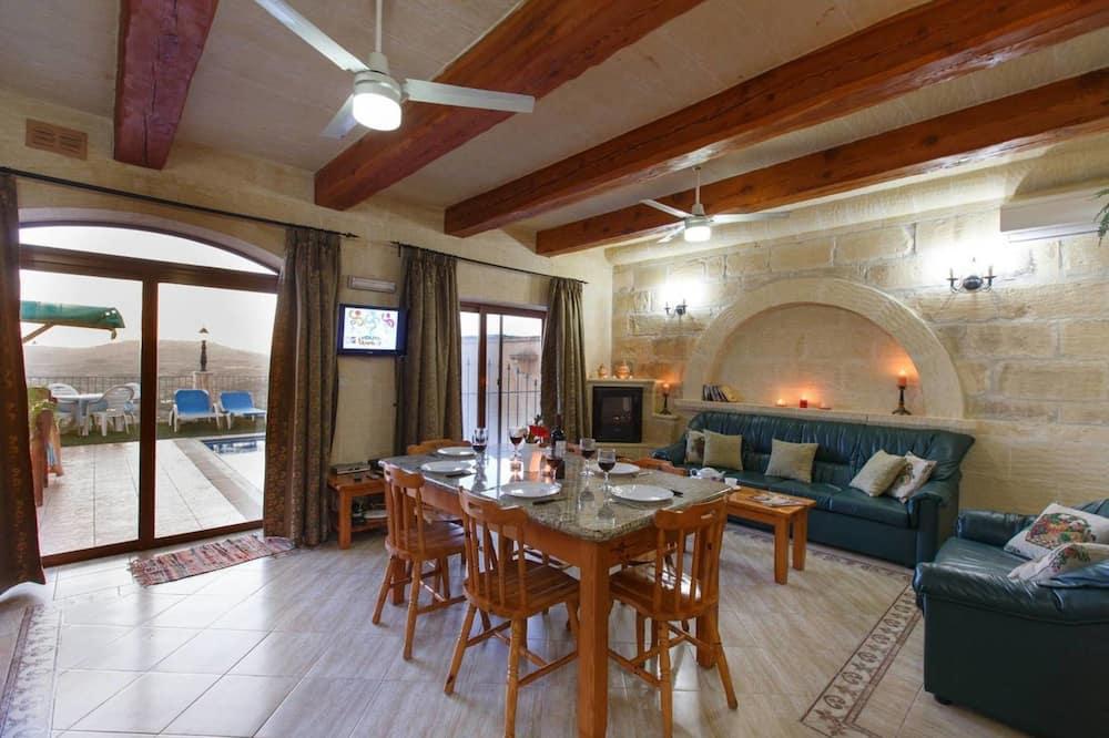 Vila, více lůžek - Obývací prostor