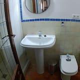 Apartment, Private Bathroom (Romántico) - Bathroom