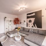 Luxury Apartment, 1 Katil Raja (King) dengan Katil Sofa, Non Smoking, City View - Bilik Rehat