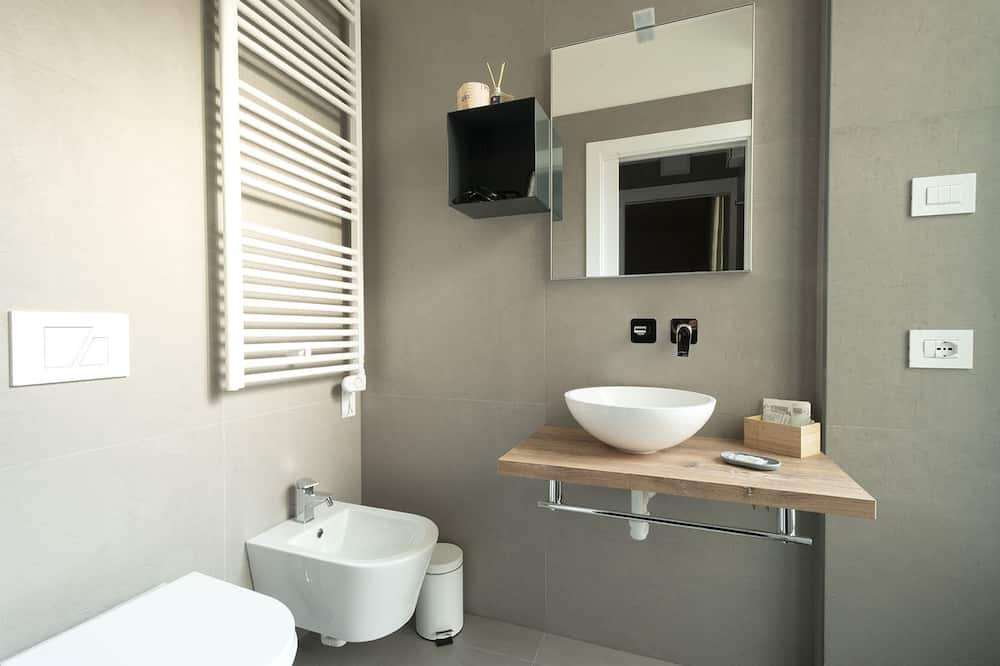 Comfort Triple Room, Multiple Beds - Bathroom