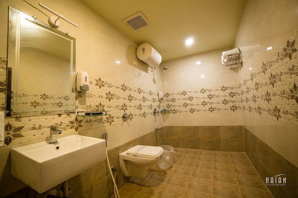 Deluxe-huone, Kaupunkinäköala - Kylpyhuone