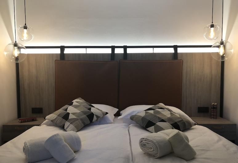Veneziana Suites & Spa****, Koper, Superior Double Room, 1 Queen Bed, City View, Guest Room