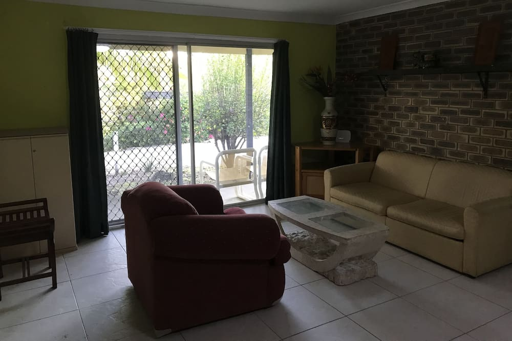 סוויטת ביזנס, מספר מיטות, נוף לחצר - אזור מגורים