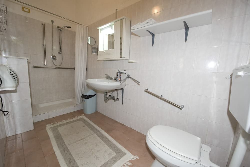 Triple Room, Accessible (POLIFEMO) - Bathroom