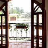 Δωμάτιο, 2 Queen Κρεβάτια, Μπαλκόνι, Θέα στον Κήπο - Θέα από το μπαλκόνι