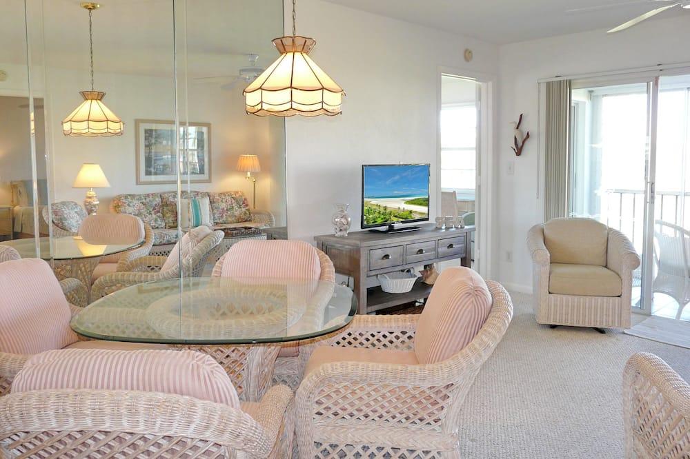 Apartment, Mehrere Betten (Double Room) - Essbereich im Zimmer