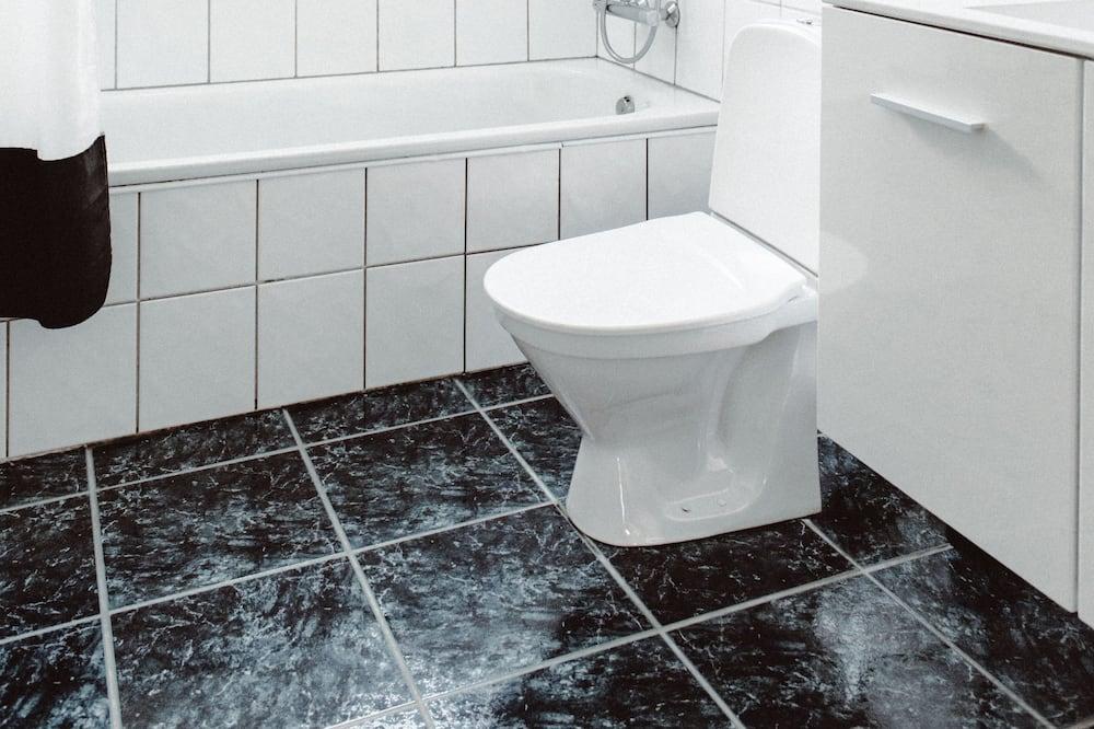 Standard kolmetuba, ühiskasutatav vannituba - Vannituba
