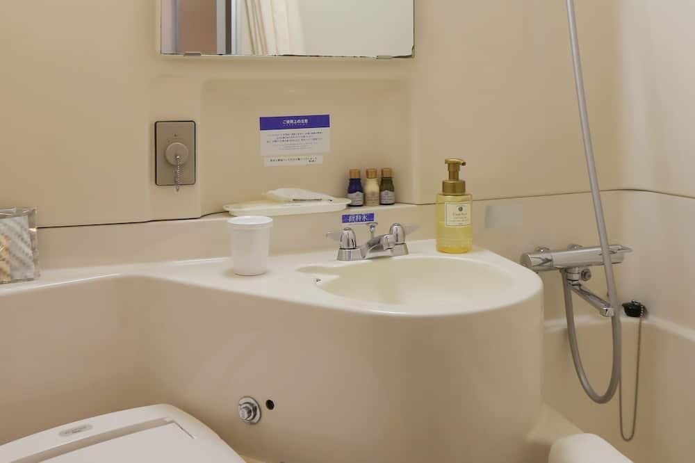 Стандартный одноместный номер, для курящих - Ванная комната