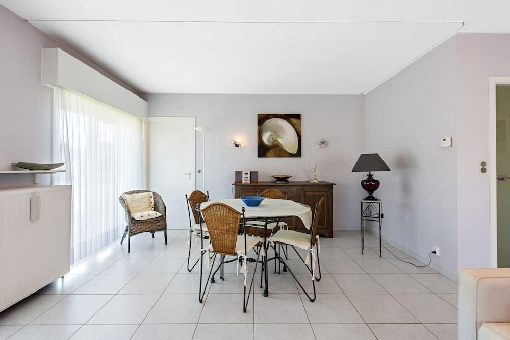 Külaliskorter, 1 magamistoaga (Etoilée GV04) - Einetamisala toas