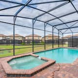Hus - flere senge - Indendørs pool