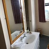 Phòng dành cho gia đình, Quang cảnh núi - Phòng tắm