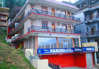 Фото Hotel New Varuni House Mcleodganj у місті Дхарамсхала