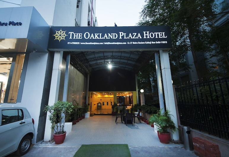 The Oakland Plaza, New Delhi, Hotel Front