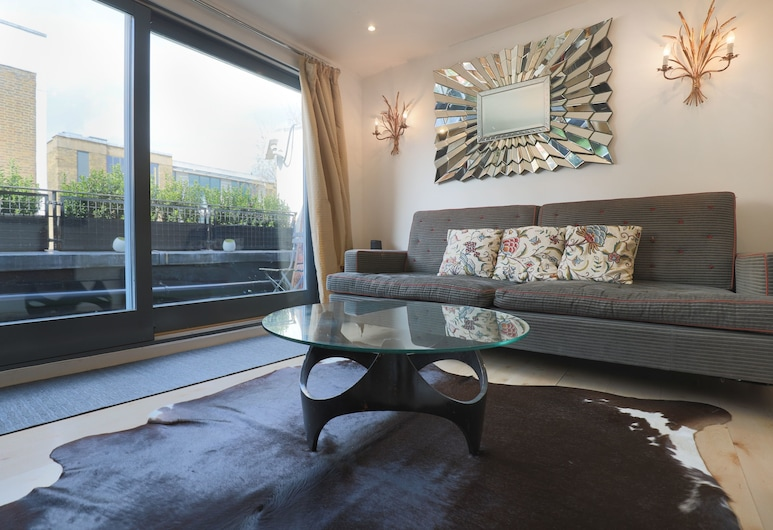 Stylish 1 Bedroom Flat With Balcony in North Kensington, Londres