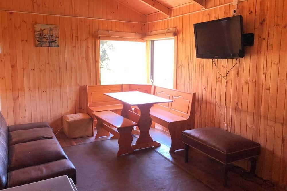 Family Cabin, 3 Bedrooms, Non Smoking - In-Room Dining