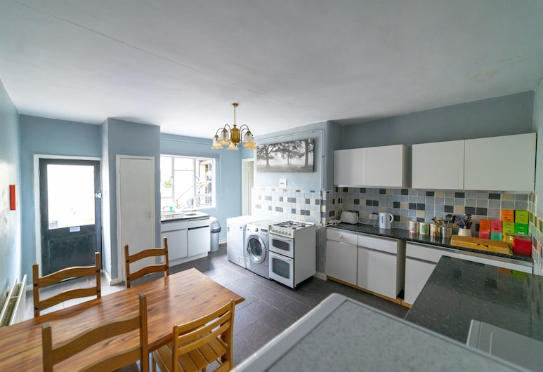 Stag and Hen Friendly House, Bath, House, Private kitchen