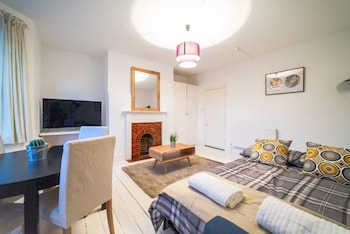 Picture of Bright Modern Oldfield Apartment in Bath