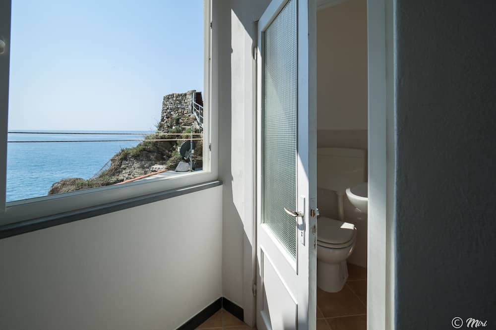 Dvojlôžková izba s panoramatickým výhľadom, 1 dvojlôžko, výhľad na more - Kúpeľňa