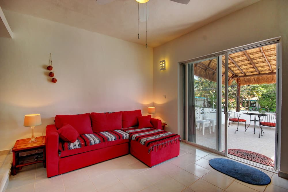 House, 1 Bedroom, Kitchenette, Ocean View - Living Area