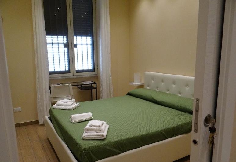 B&B Montecarlo Palace, Palermo, Chambre Deluxe, 1 grand lit, vue ville, rez-de-chaussée, Chambre