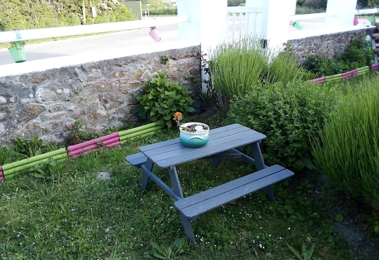 House With 2 Bedrooms in Primelin, With Enclosed Garden and Wifi - 800 m From the Beach, Primelin, Kert