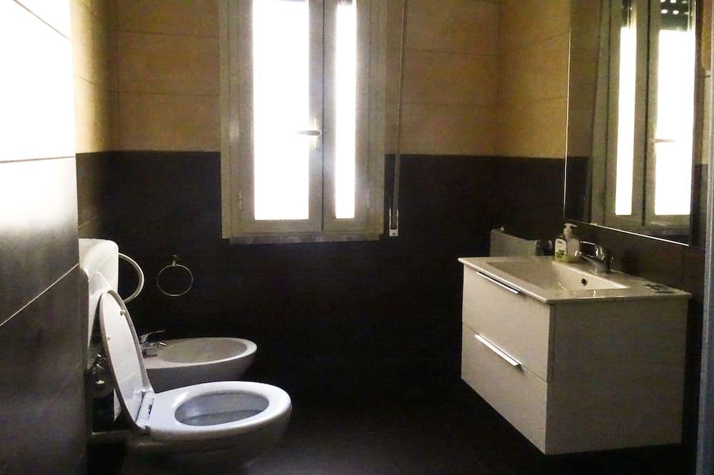 Quarto Duplo, Casa de Banho Privativa, Vista Cidade (Giulietta) - Casa de banho
