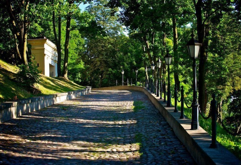 Pałac w Małkowie, Warta, Puutarha