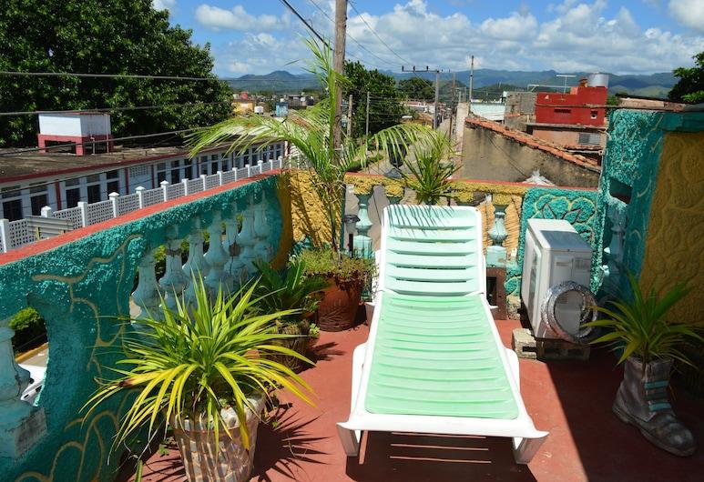 Hostal Happy House, Trinidad, Terraza o patio