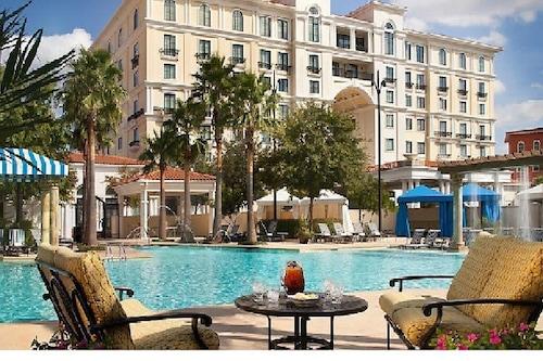 Hotel&Spaは、Shopping&Ridesから数分の距離にあります。/