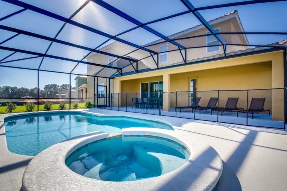 บ้านพัก, หลายเตียง - สระว่ายน้ำกลางแจ้ง