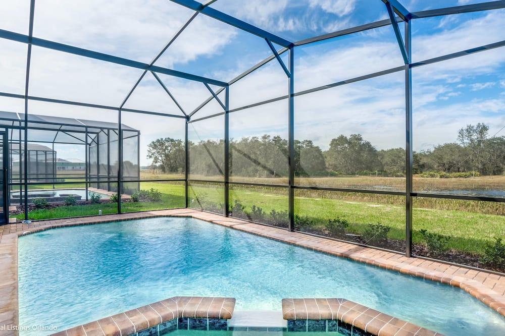 บ้านพัก, 6 ห้องนอน - สระว่ายน้ำในร่ม