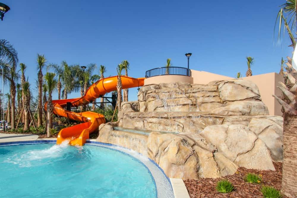 Domek, více lůžek - Venkovní bazén