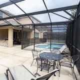 Ev, 6 Yatak Odası - Kapalı Yüzme Havuzu