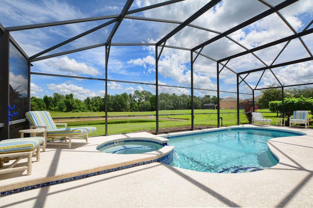 Dom, 4 spálne - Krytý bazén
