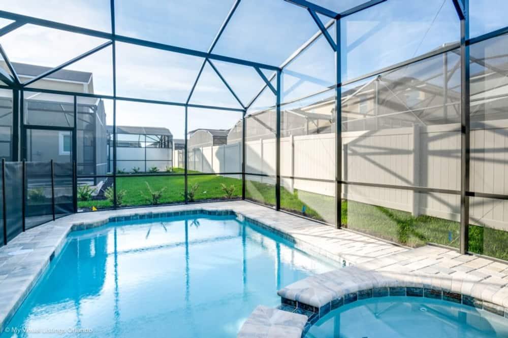 Vila, 6 spální - Krytý bazén