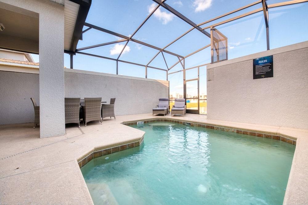 Rindu māja, piecas guļamistabas - Iekštelpu baseins