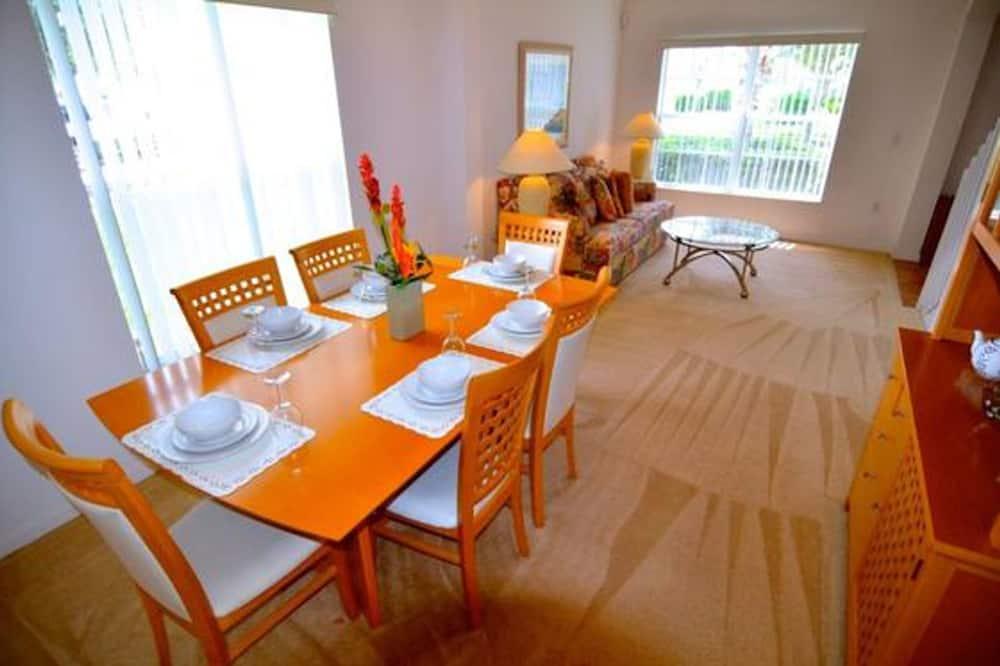 Villa, 4 Bedrooms - In-Room Dining