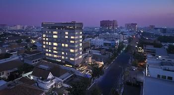 A(z) Artotel Gajahmada Semarang hotel fényképe itt: Semarang
