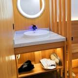 Comfort Suite, Non Smoking - Bathroom