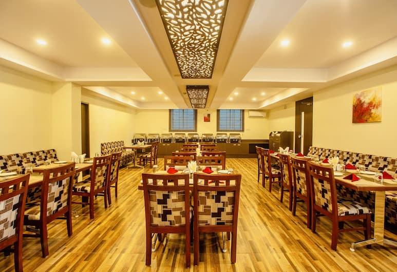Hotel Classio  Inn, Bengaluru, Breakfast Area