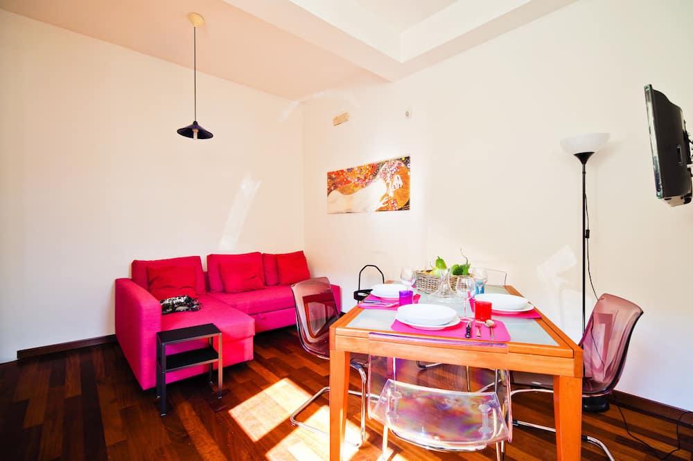 Comfort Apartment, 2 Bedrooms, 2 Bathrooms, Hill View - Living Area