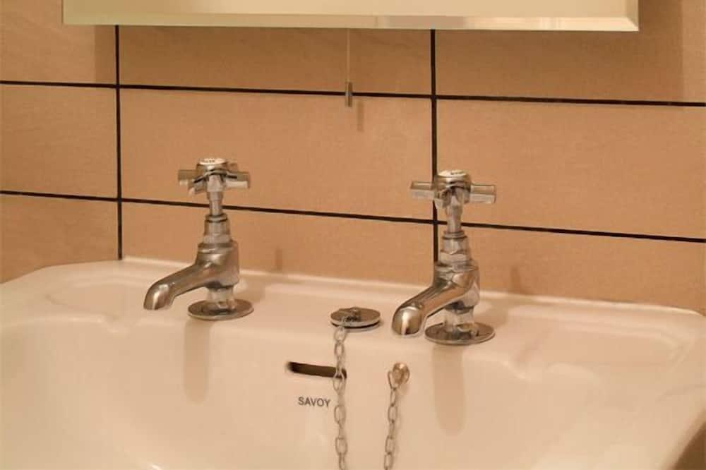 Superior Double Room (1) - Bathroom